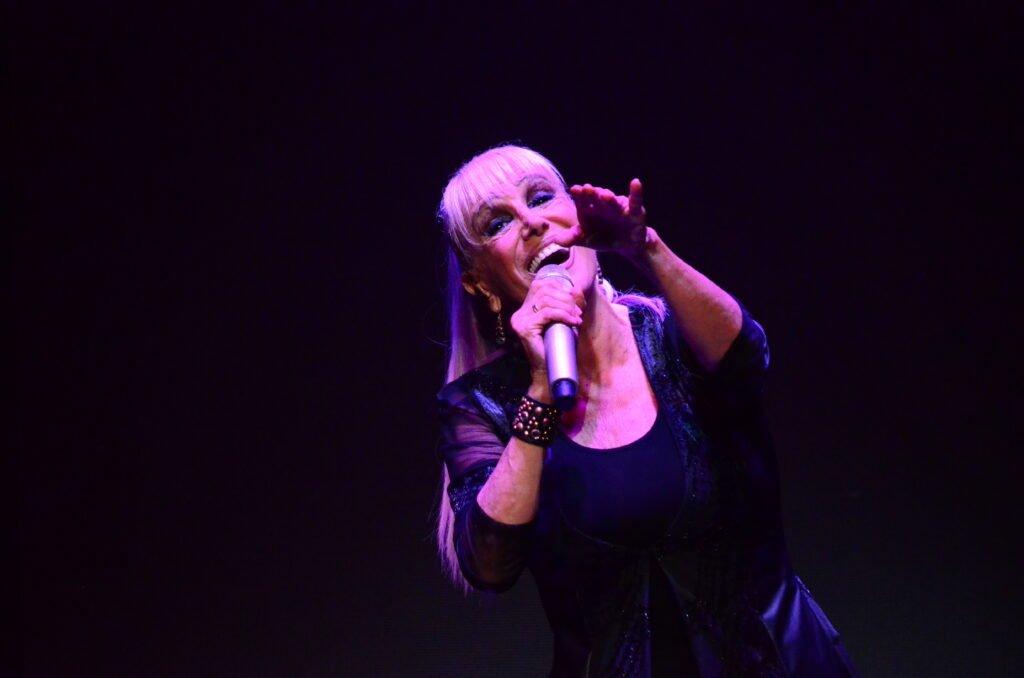 Valeria Lynch y Mariano Martínez colmaron el Luxor con su show