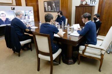 Kicillof se reunió con los intendentes de la Costa y descartaron nuevas restricciones