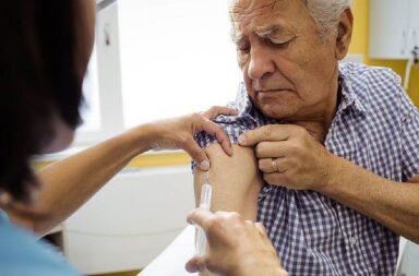 Sputnik V para mayores de 60: qué condiciones deben cumplirse para aplicarse la vacuna