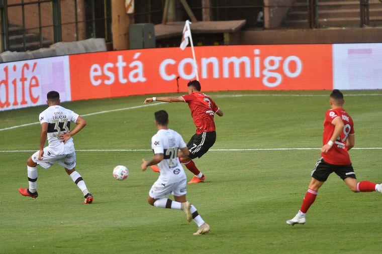 River le ganó a Platense, pero Armani fue figura