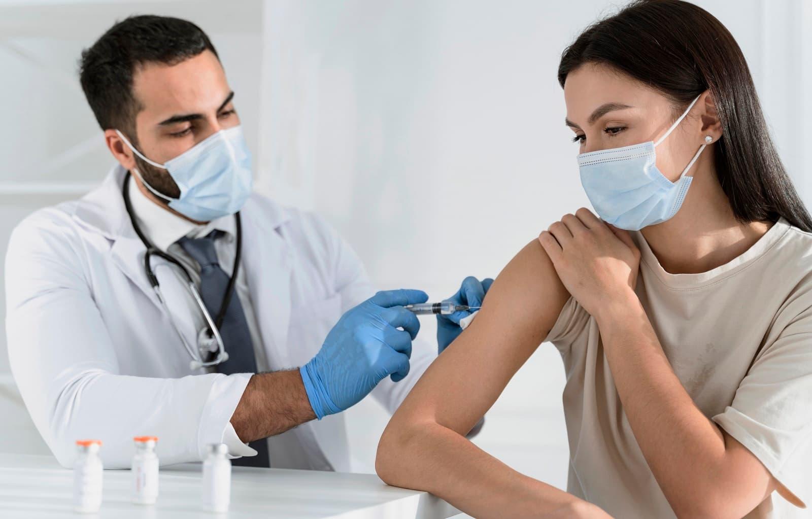 Estará justificada la ausencia laboral por ir a vacunarse contra el  coronavirus