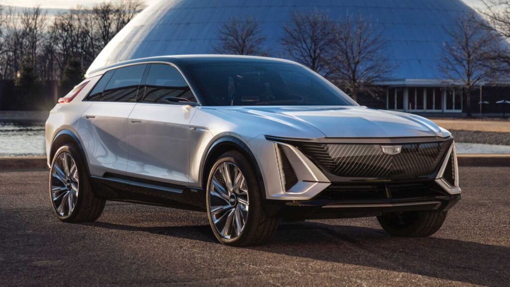 """General Motors recurre al """"Hombre Manos de Tijera"""" para lanzar su nuevo producto en el Super Bowl"""