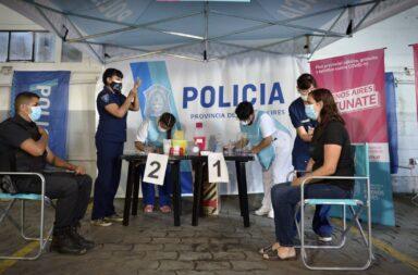 Comenzó el operativo de vacunación para  los efectivos de la policía bonaerense con la vacuna Covishield