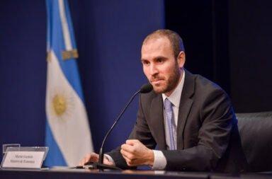 Martín Guzmán sostuvo que la economía cayó un 10% durante el 2020 y reiteró que en el 2021 no habrá devaluación