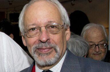 Polémica: el periodista Horacio Verbitsky contó que llamó a su amigo Ginés y se vacuno contra el coronavirus en el ministerio de Salud