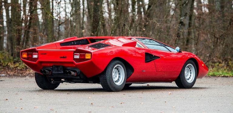 Se vendieron dos Lamborghini clásicos a un precio descollante