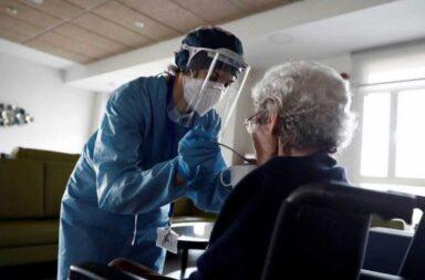 El Gobierno bonaerense anunció que comienza a vacunar contra el coronavirus a los mayores de 70 años