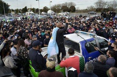 Berni retiró del servicio a 400 policías bonaerenses, a horas de la protesta policial que se efectuará mañana