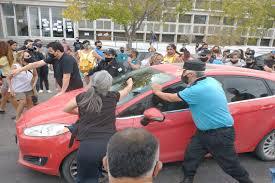 Trotta fue increpado por un grupo de docentes en Chubut