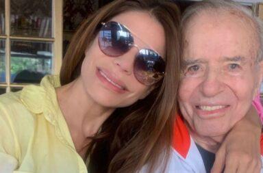 "Zulemita Menem hablo tras la muerte de su padre: "" Se fue agarrado de la mano de mi mamá"""