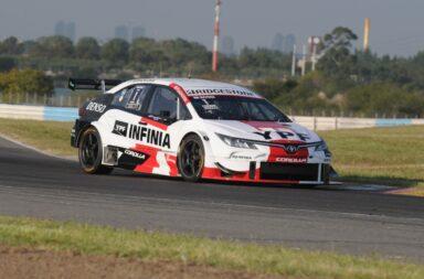 Rossi abrió la temporada del Súper TC2000 llevándose la carrera clasificatoria en Buenos Aires
