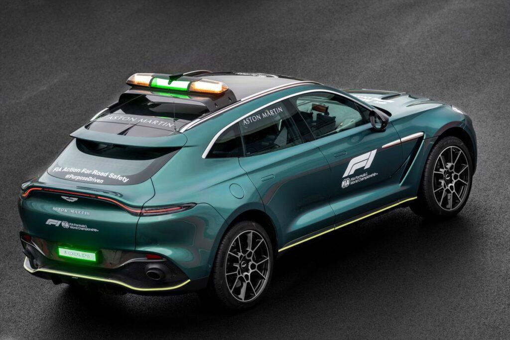 Aston Martin presento el Auto de Seguridad y Médico que utilizará en la F1