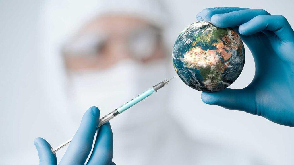 AstraZeneca anunció que su vacuna no genera trombosis y es 79% eficaz