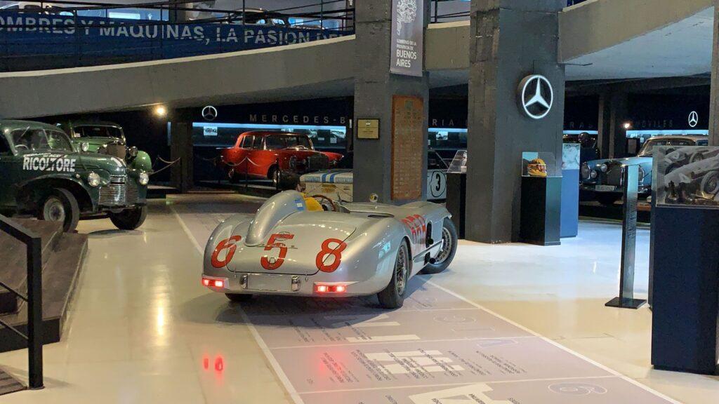 El Museo Fangio ahora exhibe el Mercedes SLR que manejó el Chueco en la Mille Miglia