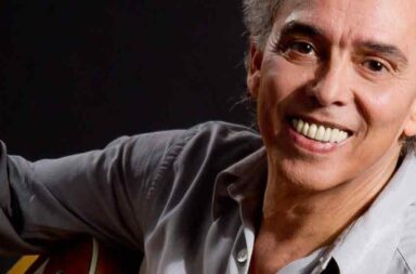 Jairo presenta '50 años con la música'