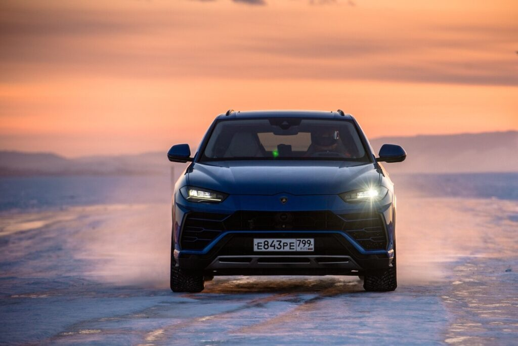 Lamborghini alcanza un peculiar récord en el hielo con el Urus