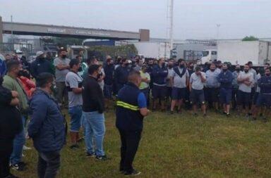 Bloqueo de camioneros a Wallmart: El Gobierno dictó la conciliación obligatoria