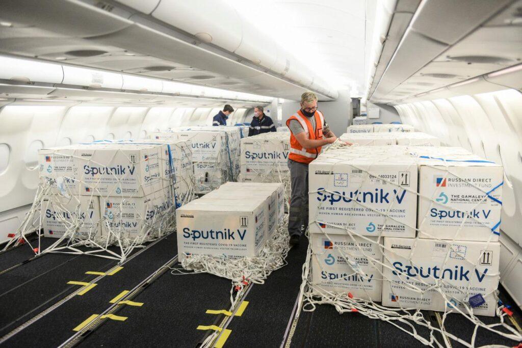 Sputnik V: hoy llegan 765.545 nuevas dosis del componente 1 al país