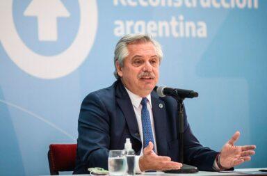 """Alberto Fernández: """"El personal de salud recibirá un bono de .500 por los próximos tres meses"""""""