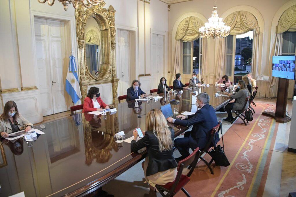 Reunión en Casa Rosada: Vizzotti, Cafiero y un comité de expertos analizan la situación sanitaria