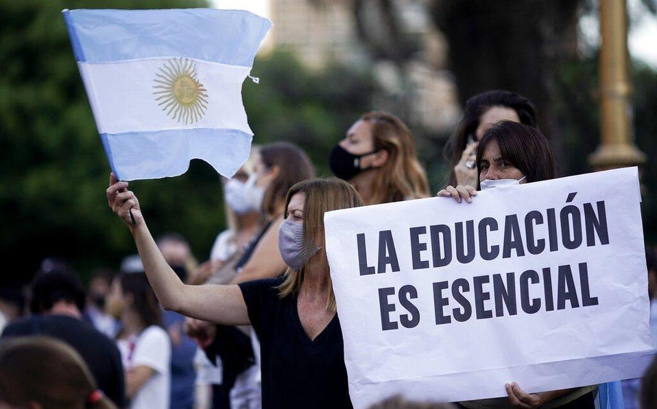 Medidas: El gobierno de Axel Kicillof informó que habrá sanciones sobre los colegios que no cumplan