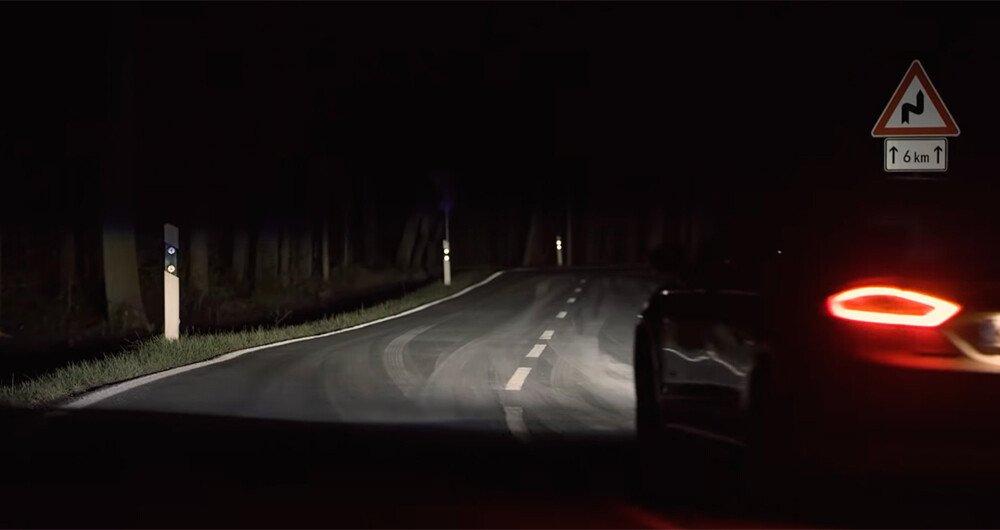 Ford trabaja en unas luces inteligentes que ayudan al manejo de noche