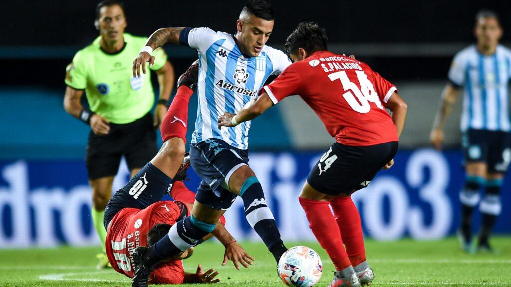 Racing venció a Independiente con un penal escandaloso