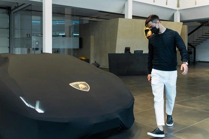 """Lamborghini Aventador S Roadster: La nueva """"Joya"""" de Dybala"""