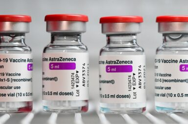 4 millones de vacunas de AstraZeneca llegarán en mayo a Argentina