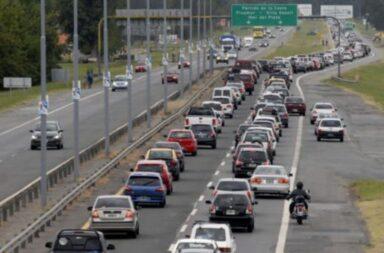 El Gobierno analiza suspender el feriado puente del 24 de mayo