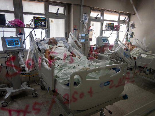 Quedan 85 camas de terapia intensiva en la Ciudad