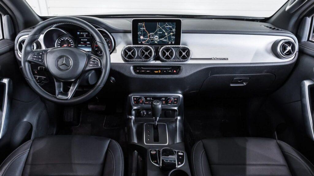 ¡Increíble! Mercedes Benz despide a su pick-up Clase X con una versión de 6 ruedas