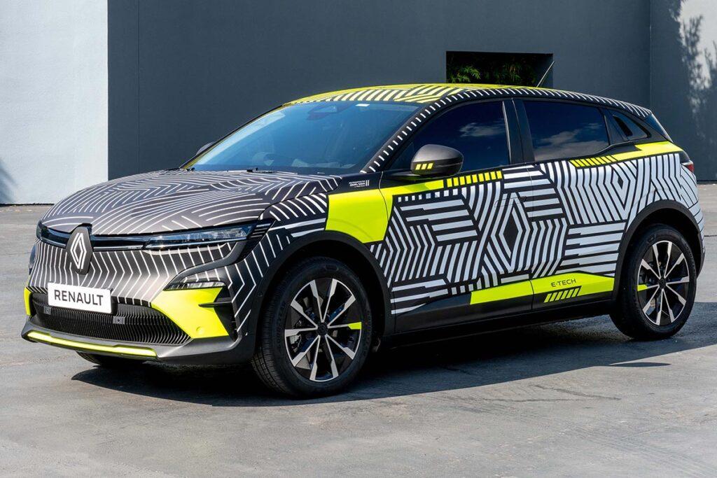 El Mégane se pasó a los eléctricos y Renault mostró sus siluetas