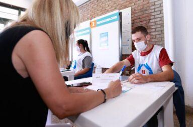 A partir de mañana vacunación libre para embarazadas y mayores de 50 años en la provincia de Buenos Aires