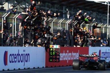 Checo Pérez se llevó el triunfo en una carrera que pasó de todo en Bakú