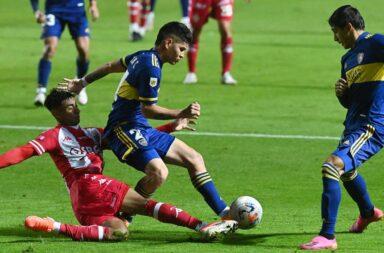Boca empató con Unión en el comienzo del torneo local.