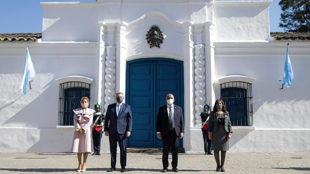"""Alberto Fernández aseguró: """"Mi modelo no está en los que mandan balas de goma a Bolivia"""""""