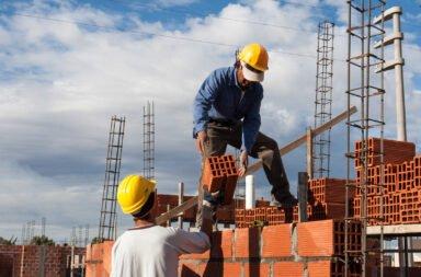 El Gobierno confirmó que aumentará el salario mínimo y evalúan que sea por decreto