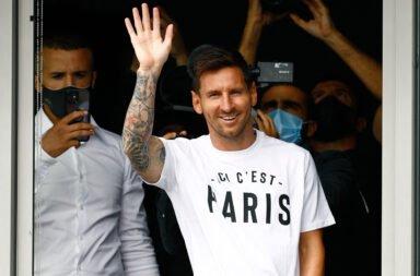 Arranca una nueva era: Messi llegó a París para firmar su contrato con el PSG