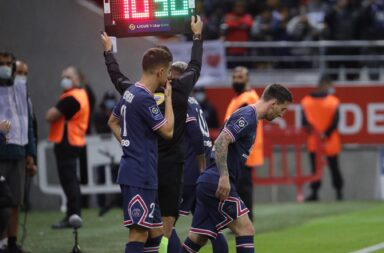 Messi debutó en el 2 a 0 del PSG, pero la figura fue Mbappé