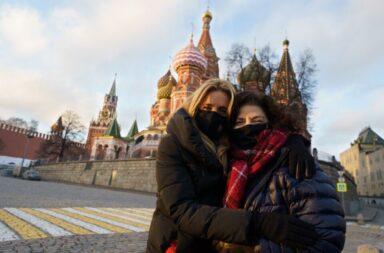 Carla Vizzotti viajó a Rusia para supervisar la producción y provisión de nuevas dosis de Sputnik V