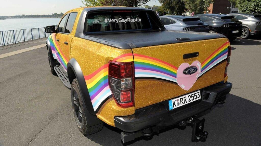 Ford crea una versión especial de la Raptor en contra de la homofobia