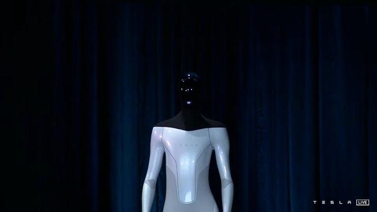 Tesla Bot: El robot humanoide con sistema Autopilot como cerebro