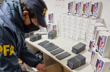 Doce detenidos y tres prófugos acusados de contrabandear celulares desde Paraguay