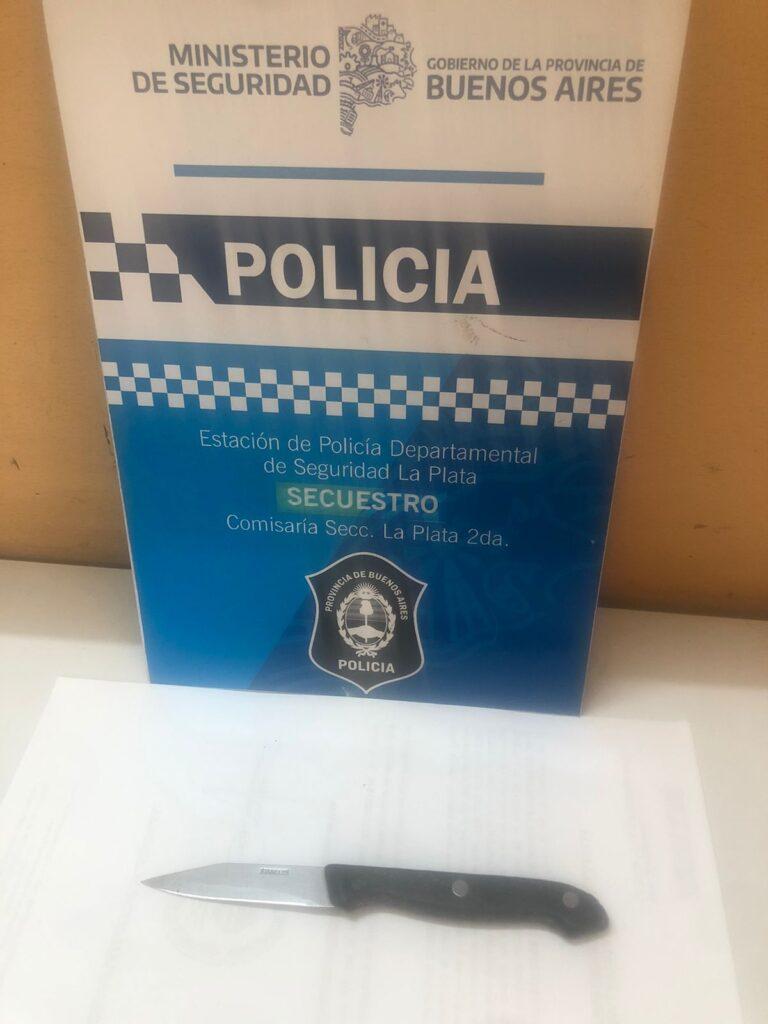 pensionada cuchillo La Plata