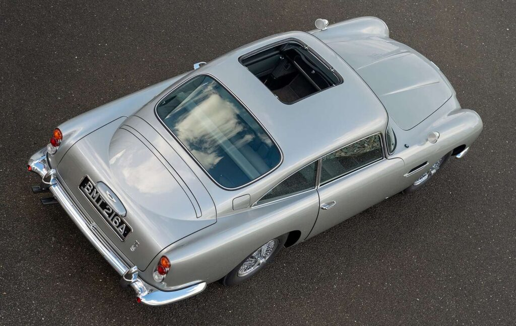 La historia del Aston Martin DB5 del Agente 007 que desapareció hace 25 años