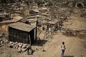 Un informe oficial revela que el 49,6% de los argentinos cayó en la pobreza