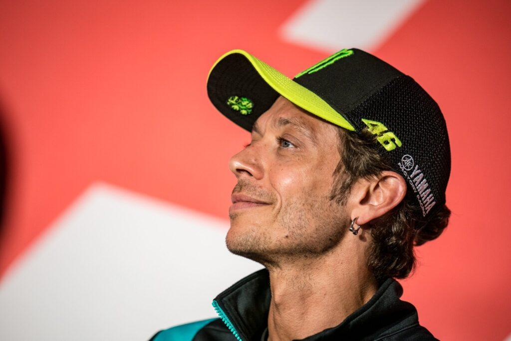 Adiós a un histórico del motociclismo mundial: se retira Valentino Rossi