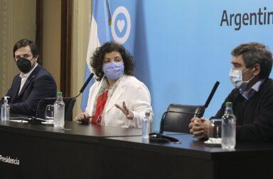 La minisra de Salud Carla Vizzotti junto a Nicolás Kreplak y Fernán Quirós