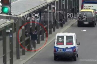 Seguimiento en tiempo real: detienen a un menor que robaba celulares en las paradas de colectivo de Retiro